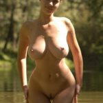 jolie maman en photo nue 072