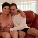 maman cougar chaude en photos 157