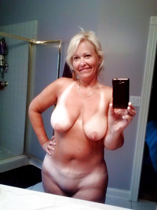 sexy toute nue sur le 23
